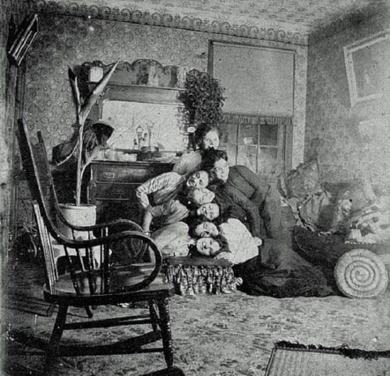 funny-victorian-era-photos-silly-vintage-photography-27