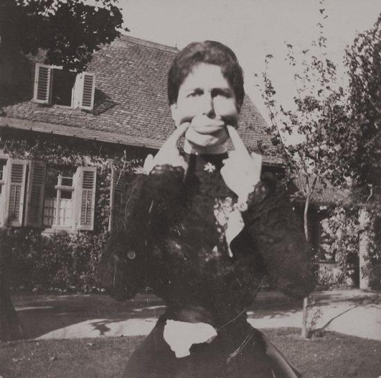 funny-victorian-era-photos-silly-vintage-photography-30-57514b0440539__700