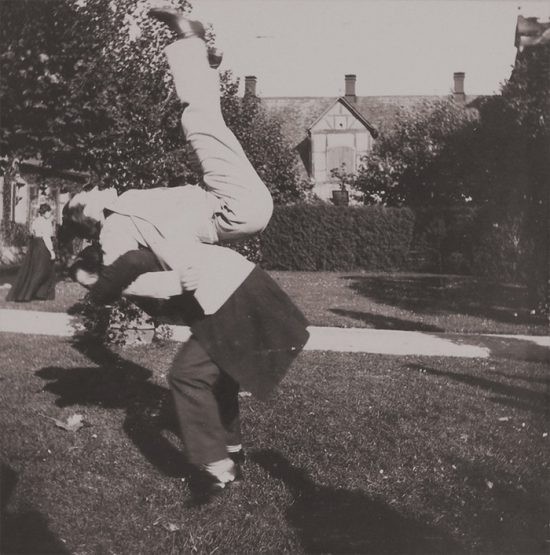 funny-victorian-era-photos-silly-vintage-photography-33-57514ddb374f1__700