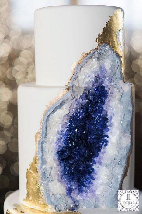 rock-wedding-cake-geode-intricate-icings-rachel-3