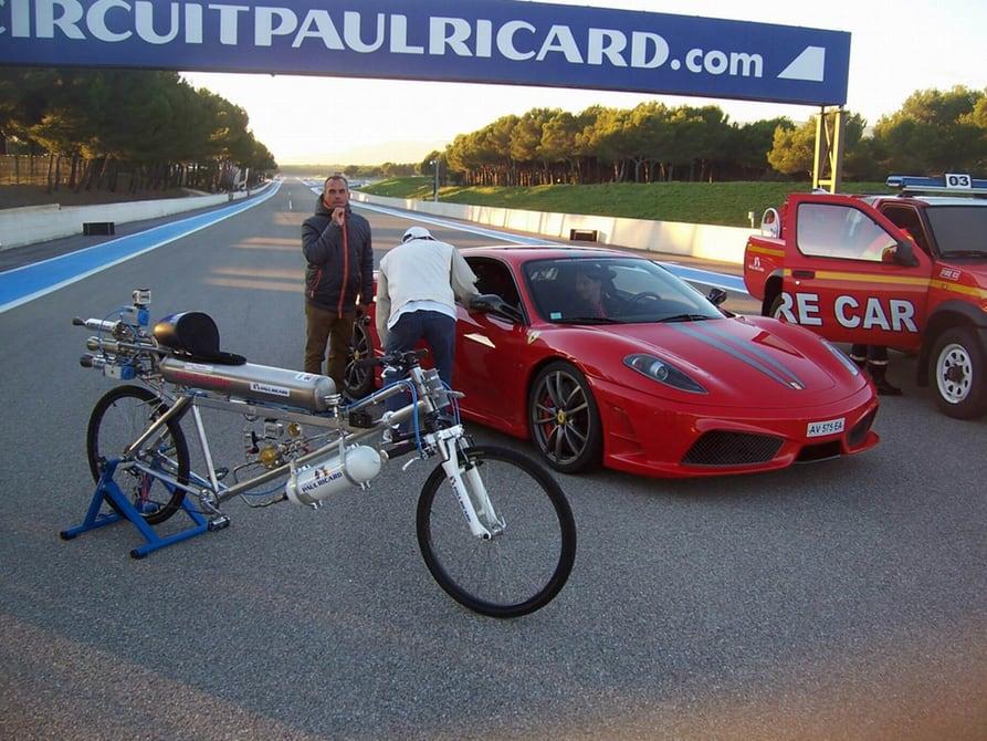 francoise-gissy-333-kmh-rocket-bicycle-3