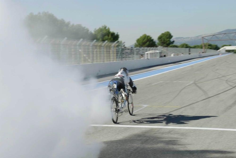 francoise-gissy-333-kmh-rocket-bicycle