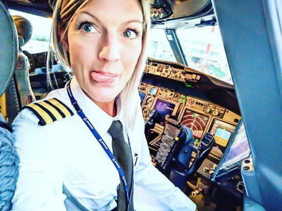 woman-pilot-yoga-maria-pettersson11