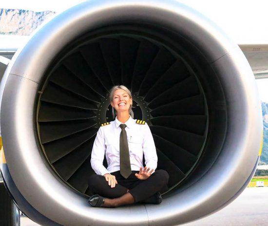 woman-pilot-yoga-maria-pettersson29
