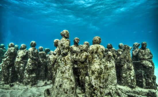 23-sculpture-modern-art-jason-decaires-taylor-sculpture