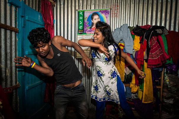 brothel-sandra-hoyn-kandapara-bangladesh-4