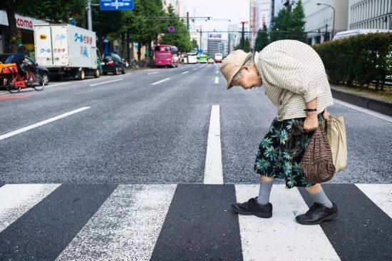 japan-street-photography-18-5808883b87a78__880