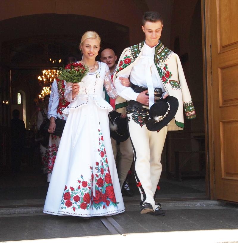 poland-painted-wedding-dress01