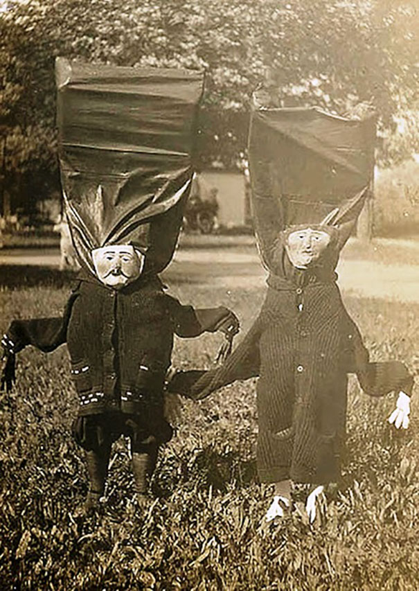 scary-vintage-halloween-costumes-creepy-1
