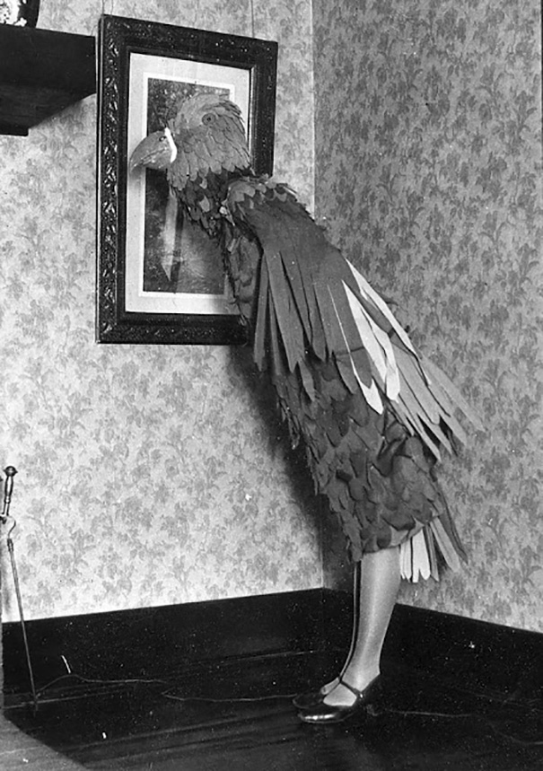 scary-vintage-halloween-costumes-creepy-20