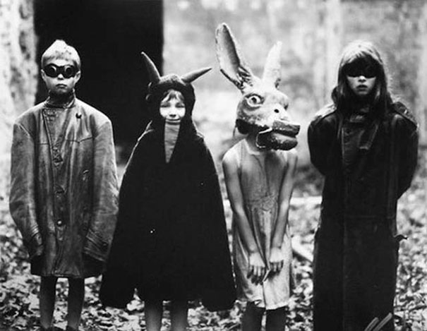 scary-vintage-halloween-costumes-creepy-4