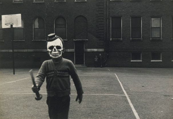 scary-vintage-halloween-costumes-creepy-7