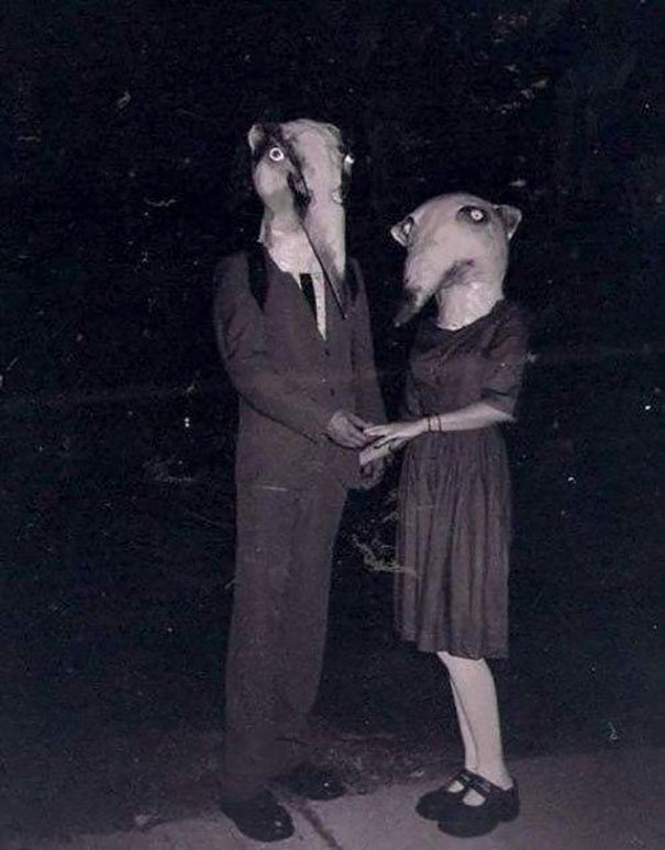 scary-vintage-halloween-costumes-creepy-8