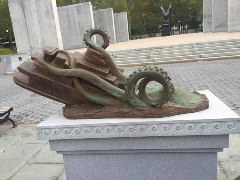 some-genius-made-a-fake-memorial-about-a-fake-giant-squid-attack3-805x604