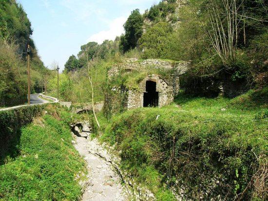 800px-valle_dei_mulini_10