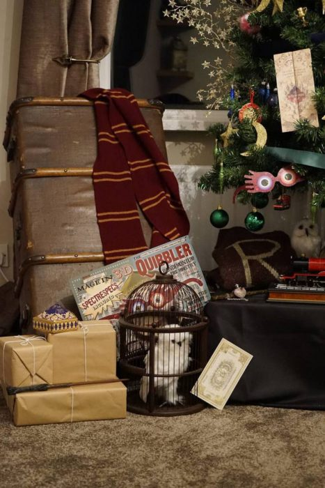 harry-potter-themed-christmas-tree-will-make-your-holidays-more-magical4-805x1208