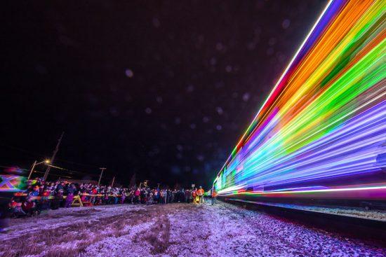 neil-zeller-photography-holiday-train-17