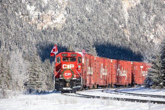neil-zeller-photography-holiday-train-2