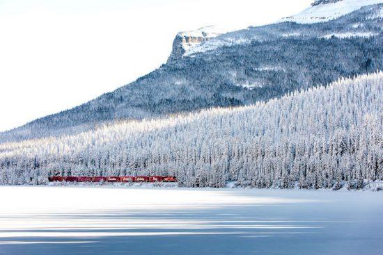 neil-zeller-photography-holiday-train-6